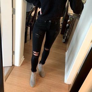 GAP black distressed skinny jeans